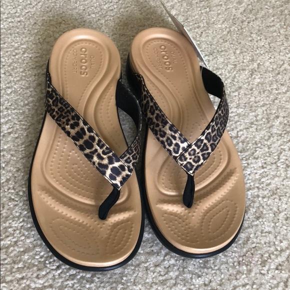 f8c6beb6f413 Crocs Flip Flops Capri V in leopard print size 10